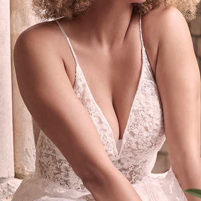 Maggie Sottero Lorenza 21MT411 Neckline