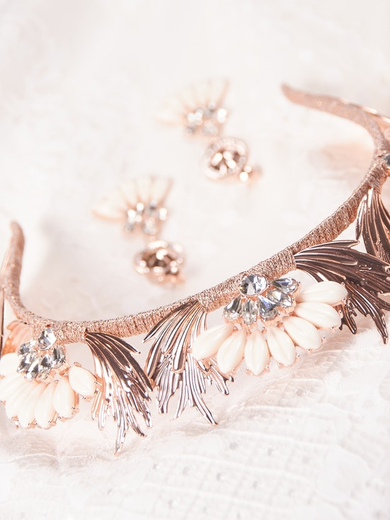A-El-Este with Maggie Sottero Jewelry ALANIS (Crown) 21AE103CR Alt5