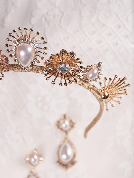 A-El-Este with Maggie Sottero Jewelry DEANDRA (Crown) 21AE114CR Alt6