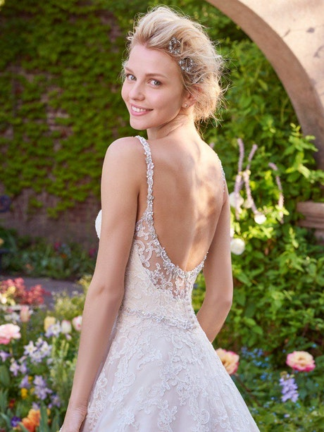 Allison (Curve) (CRV-7RS305) lace Wedding Dress by Rebecca Ingram