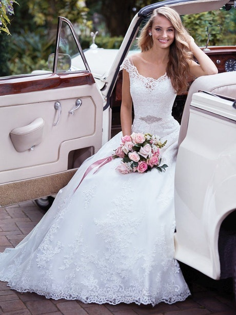 Kaitlyn (Curve) (CRV-7RS982) Lace Wedding Dress by Rebecca Ingram