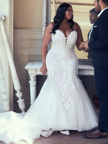 Alistaire Lynette (Curve) (CRV-9MS023AC) Plus Size Wedding Dress by Maggie Sottero