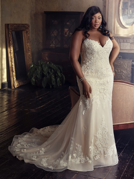 Glorietta Lynette (Curve) (CRV-9MC882AC) Lace Wedding Dress by Maggie Sottero