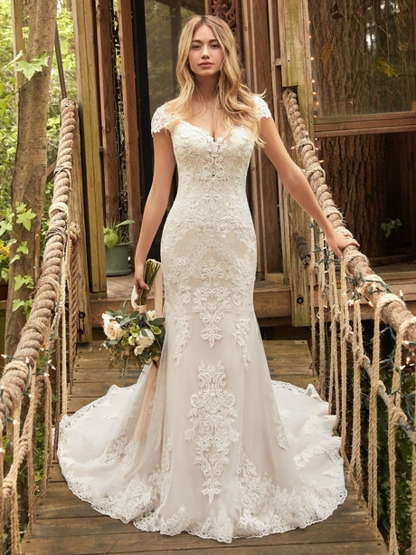 Daphne (20RC182) Wedding Dress by Rebecca Ingram